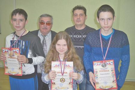http://vchess.ru/images/news/94/th_100_5963.jpg