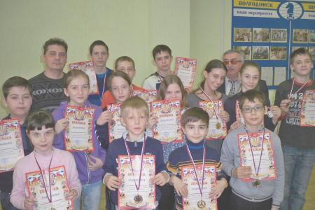 http://vchess.ru/images/news/94/th_100_5971.jpg